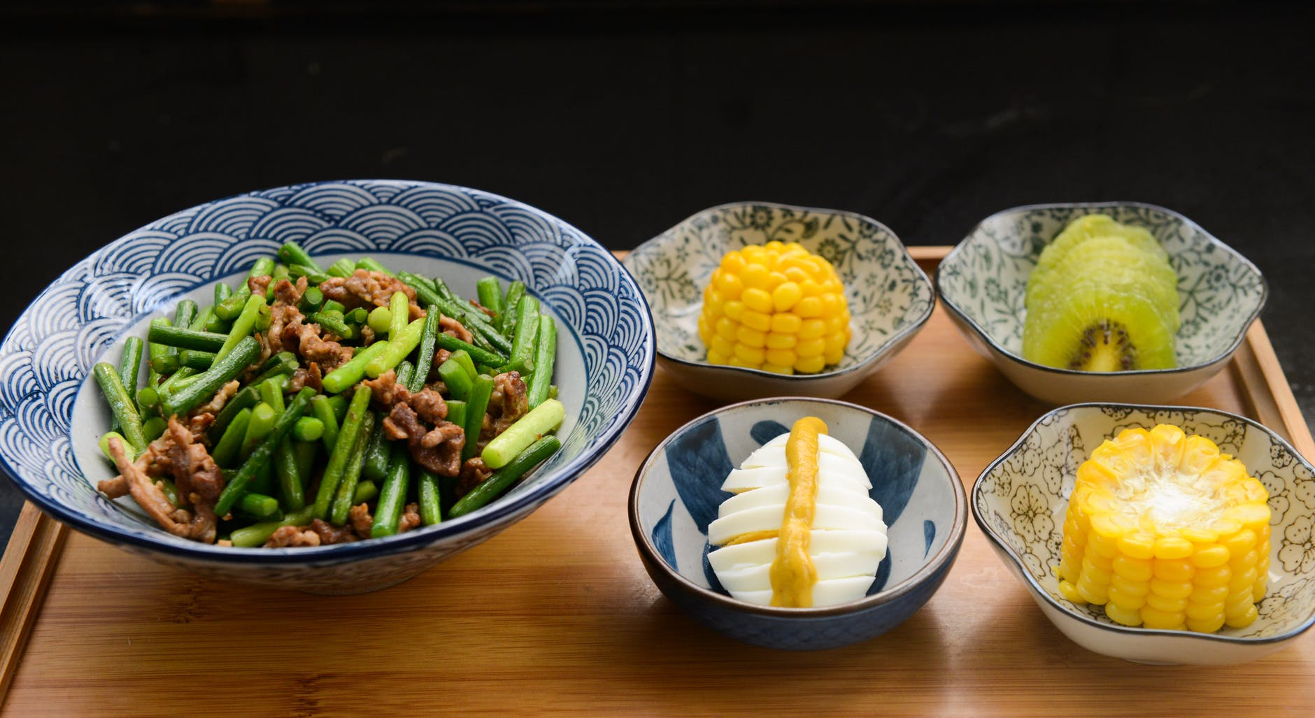 egg corn kiwi with bowls